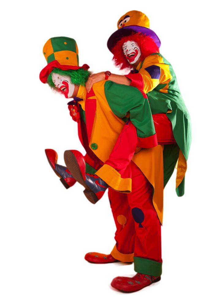 Man sieht Clown August und Clown Pippy vor Ihrer ClownsBrothers Duo Show
